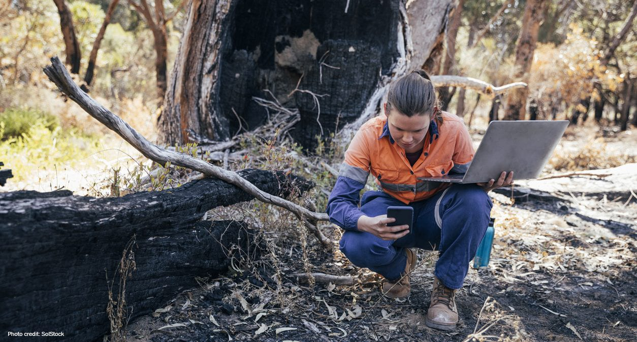 Biologist studying Australian fires | Photo credit: Solstock